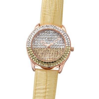 クリスタルガラスが華やかに輝く、ジュエリー感覚で楽しめるファッション時計。