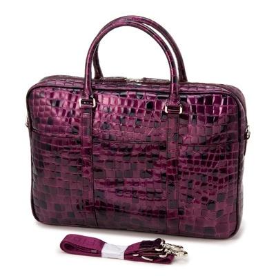タウン使いにはもちろん、ビジネス使いにもおすすめの、2WAYバッグです。