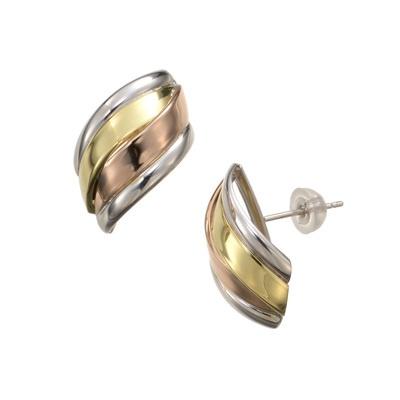 立体的に流れるラインをトリカラーでデザインした、華やかなイヤリング/ピアスです。