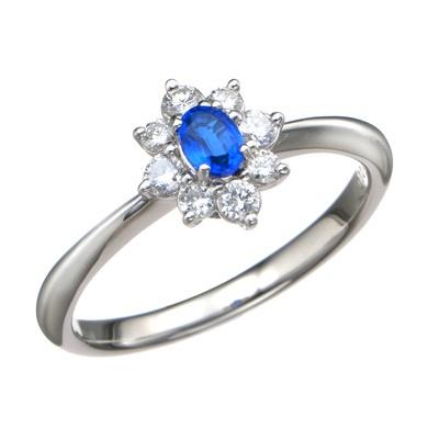 鮮やかで吸い込まれるようなネオンブルーが美しい、アウィナイトのリングです。