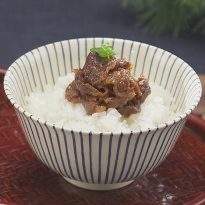 減塩醤油、オリーブオイル、はちみつを使用。美味しさにこだわった減塩牛肉しぐれ。