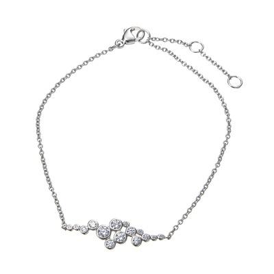 はじける泡をダイヤモニーククリアCZで表現した、フェミニンなブレスレットです。