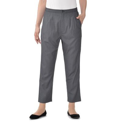 ヒップから太もも周りには少しゆとりをつけ、裾に向かって細身になるデザインです。