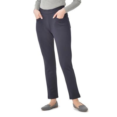 表は密度の高い編組織で、裏は肌触りのよい起毛感のある素材のパンツです。