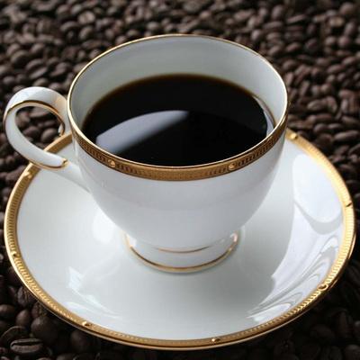 熟練した焙煎士が炭火焙煎で丹念に仕上げた、カフェインレスのドリップコーヒーです。