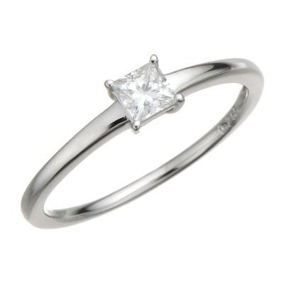Fカラーアップのプリンセスカットのダイヤ。シンプルさがダイヤの魅力を引出します。