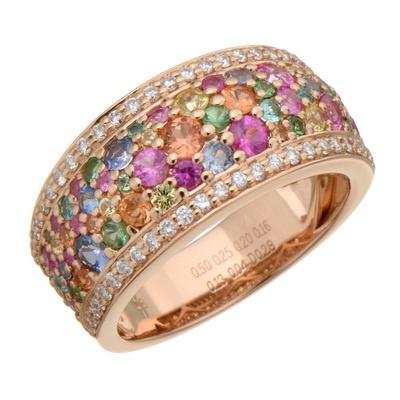 ボリューム感のあるアームに、色とりどりの宝石をパヴェセッティングしたリングです。