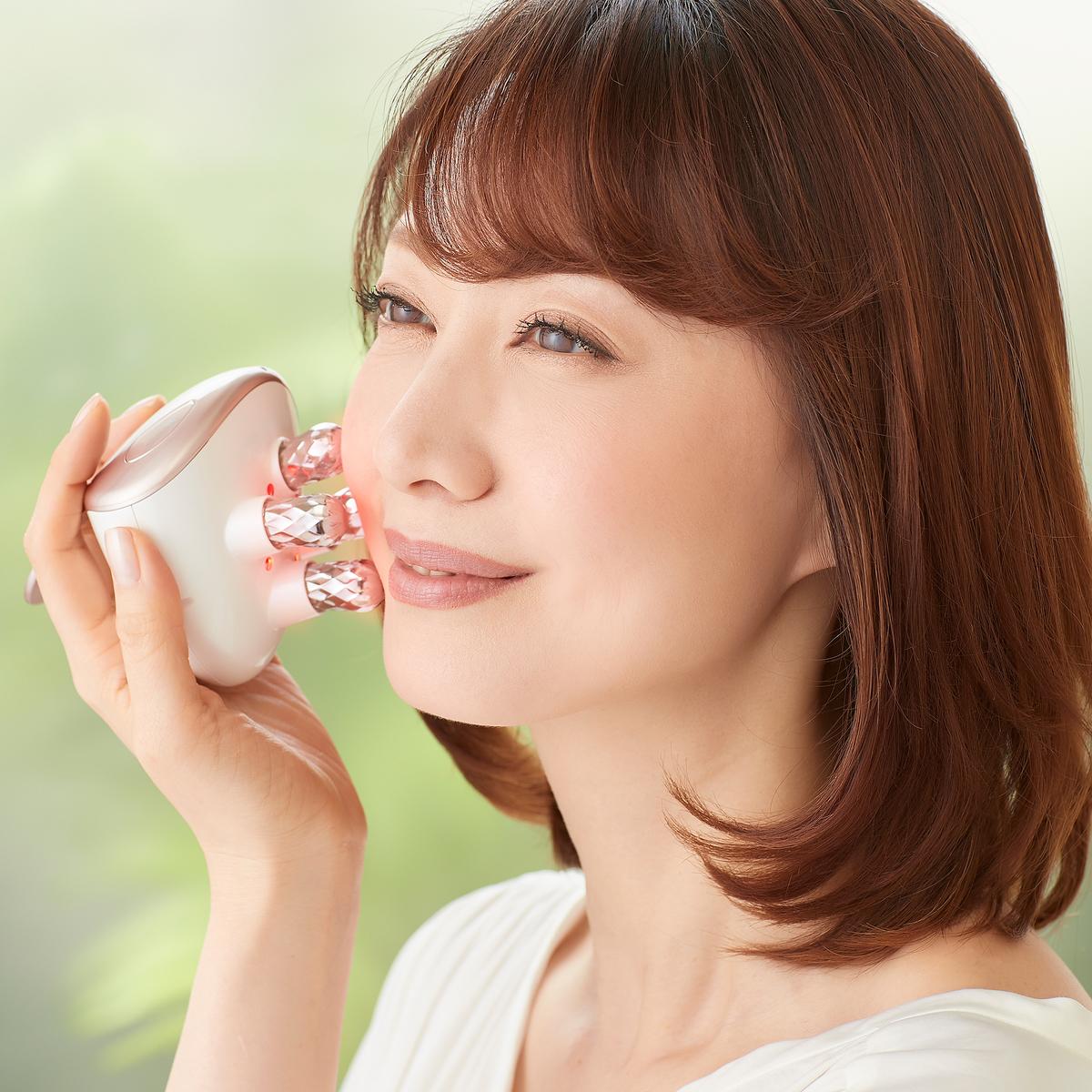 Me ミニョン 美顔 器 口コミ MEミニョン美顔器の口コミや効果!使い方や使用中の痛みは?