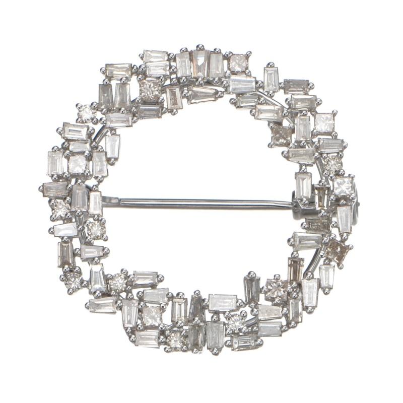 18KWGテーパーダイヤモンドサークルブローチ 計1.50ctUP